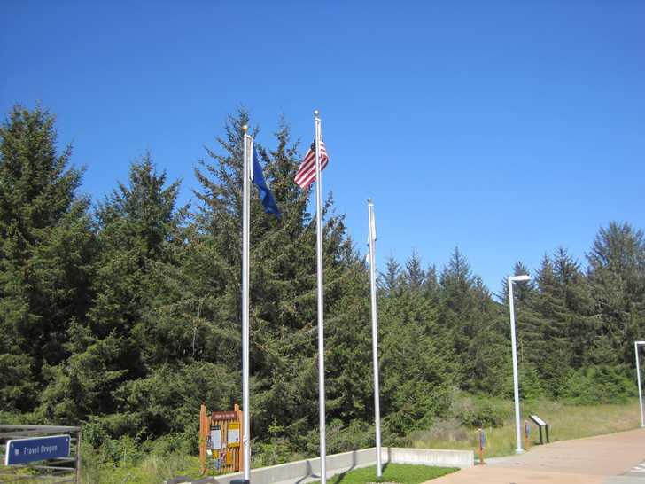 Crissey_flags054124.JPG