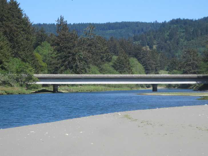 Crissey__WC_River__bridge054530.JPG