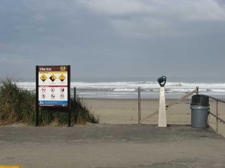 beach_sign_004112802.jpg