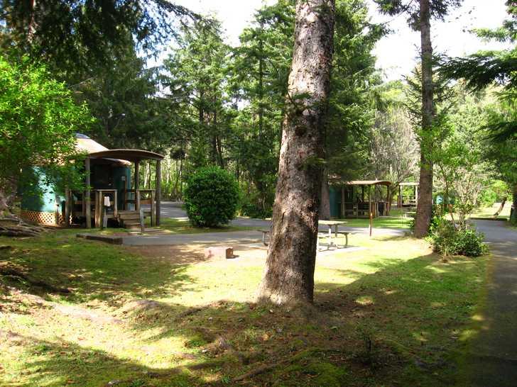 Yurts_C-Loop115025.JPG