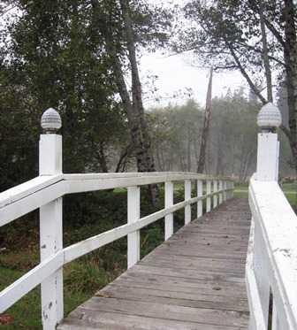 Bridge_of_Myrtle_Creek_Arizona_Beach_SRS014304.JPG