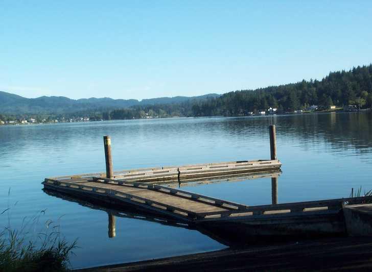 Boat_Dock1122914.jpg