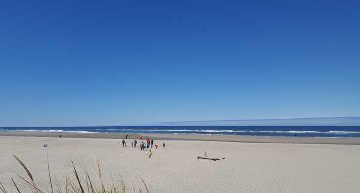 beachsidebeach030858.jpg
