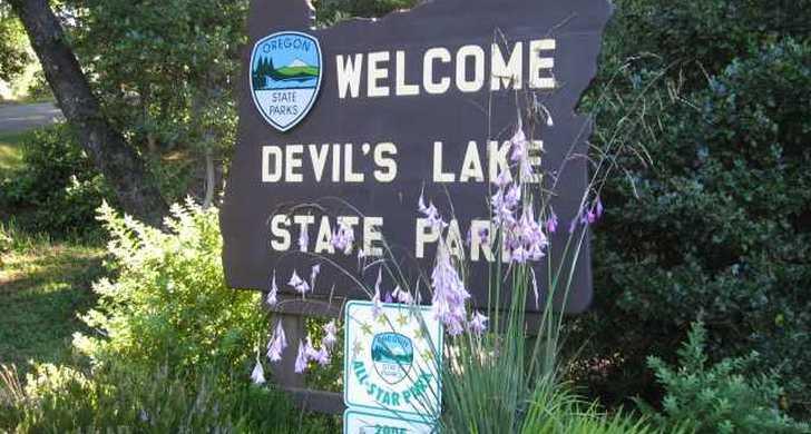 Devil's_Lake.jpg