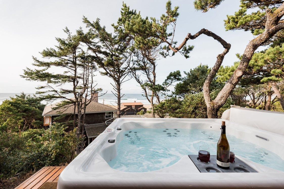 Manzanita Hot Tub.jpg