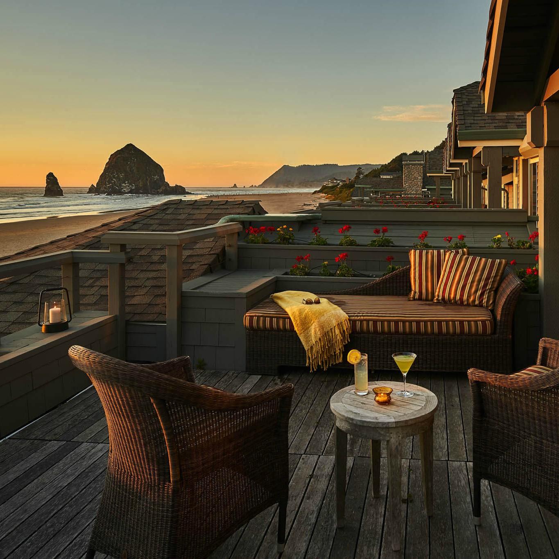 Oceanfront-Dormer-Room_co_StephanieInn.jpg