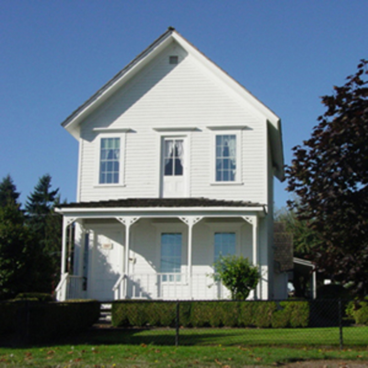 exterior image of historic home