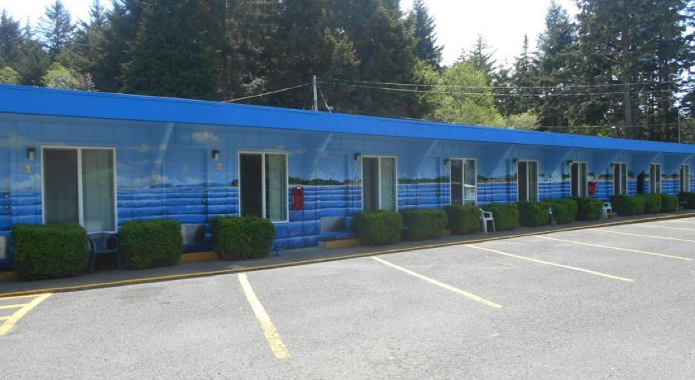 Plainview-Motel-Exterior.jpg