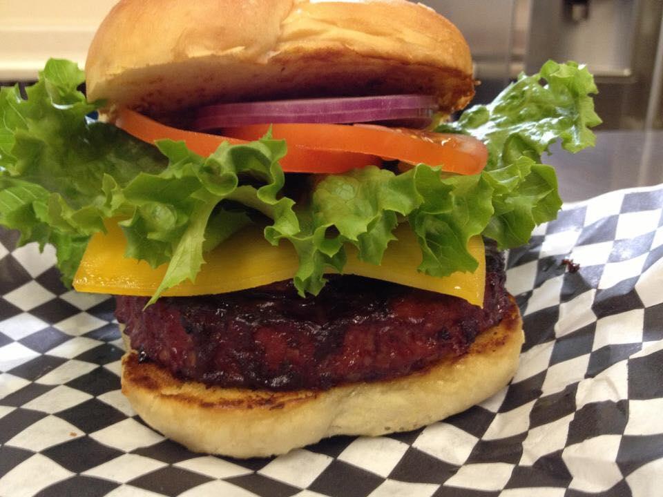 alder burger.jpg