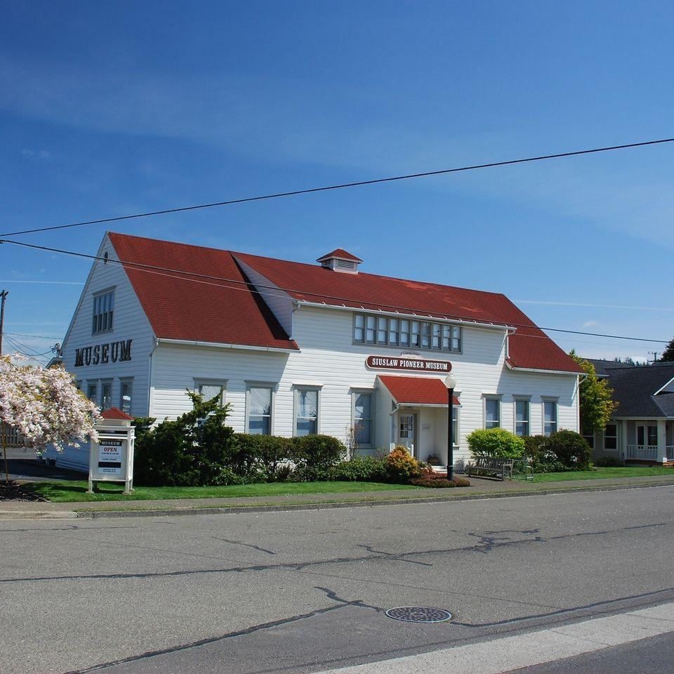 Siuslaw Pioneer Museum.jpg