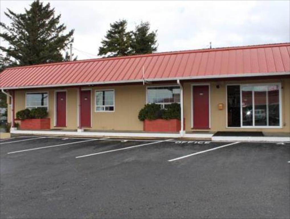 Wild Chinook Inn.jpg