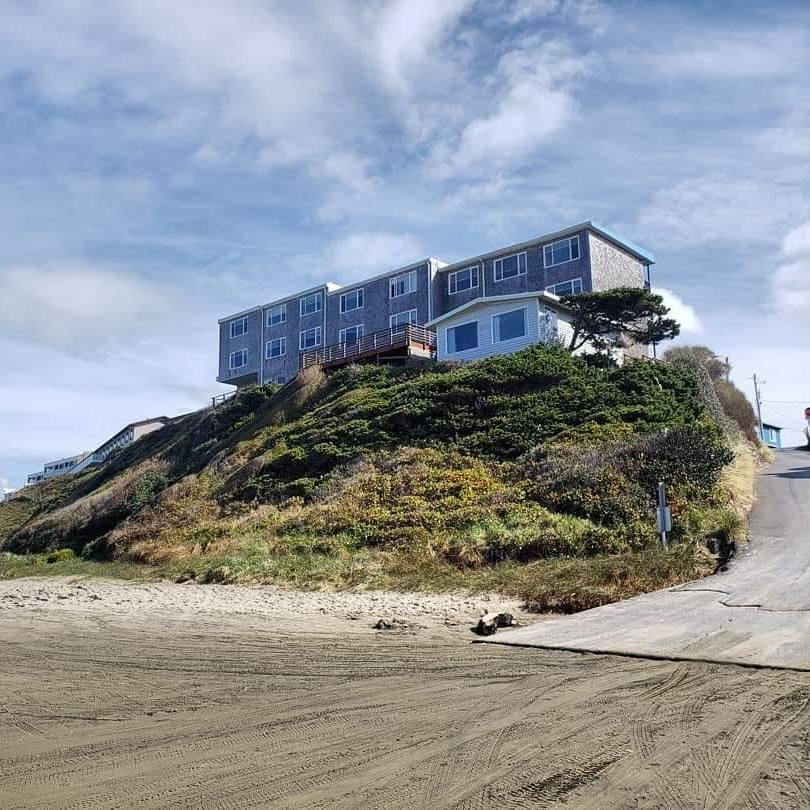Seagull Beach Front Motel.jpg