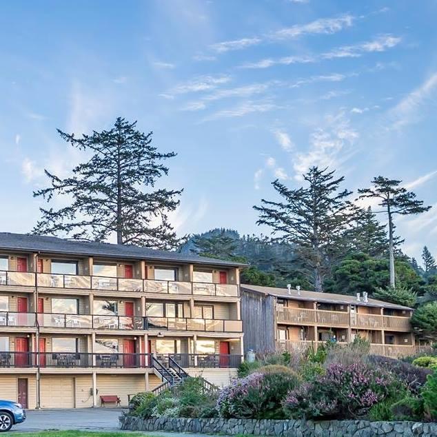 Gold Beach Inn.jpg