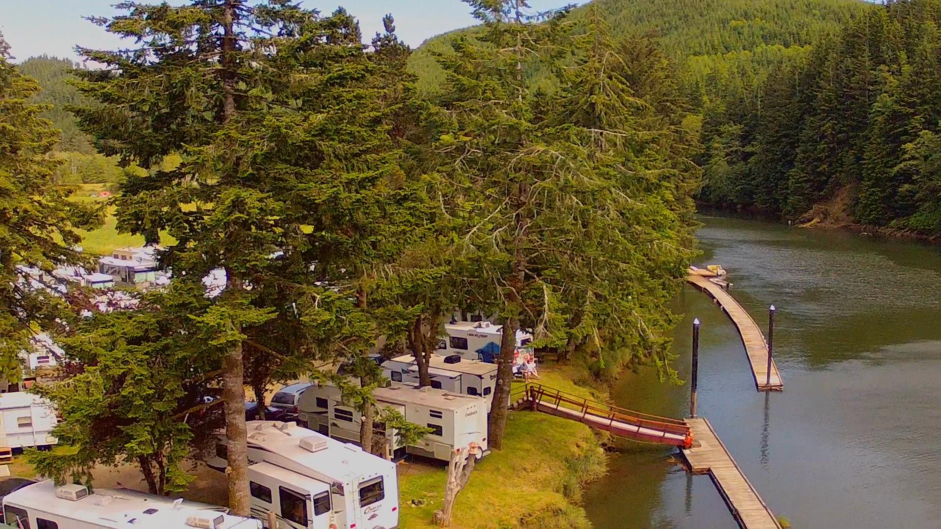 Chinook Bend Resort.jpg