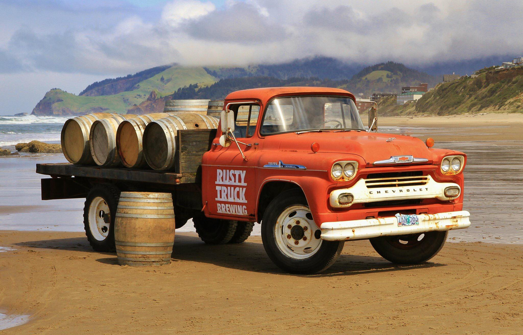 Roadhouse 101 & Rusty Truck Micro Brewery.jpg