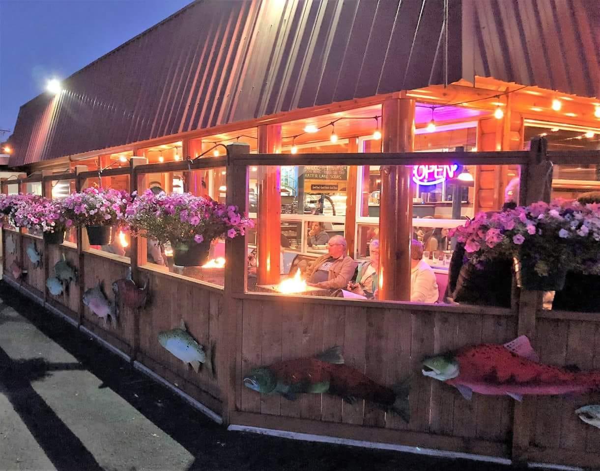 Harbor Light Restaurant.jpg