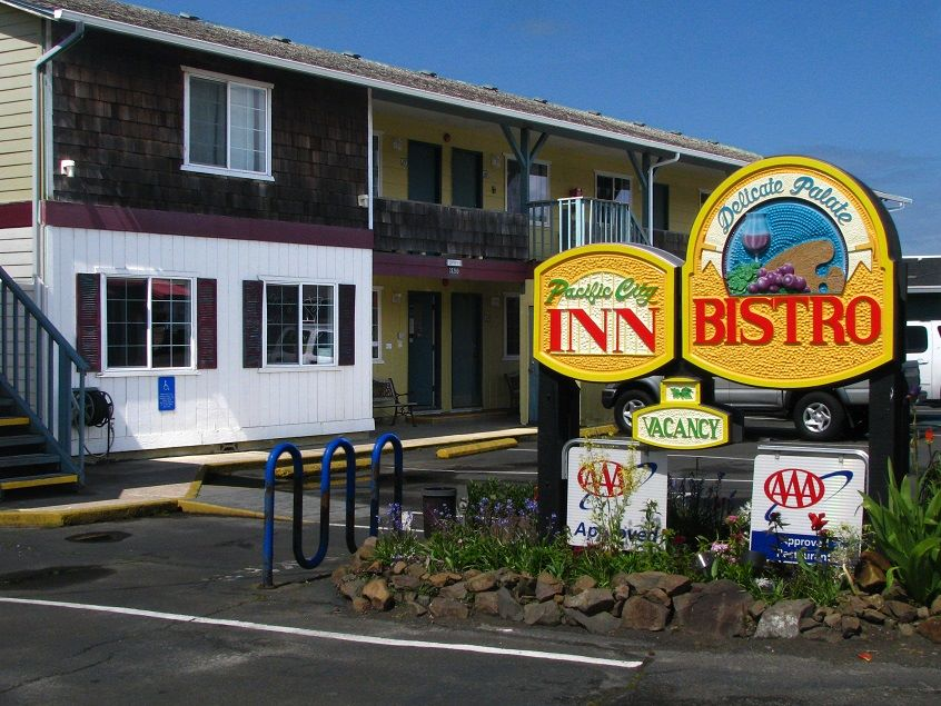 Pacific City Inn.jpg