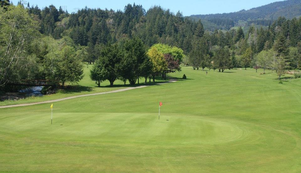 Cedar Bend Golf Club.jpg