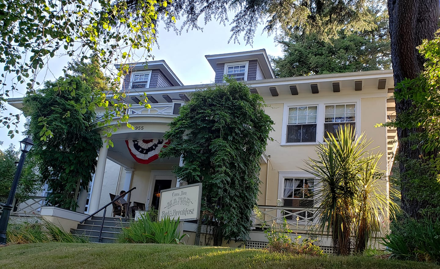 Coos Bay Manor Bed & Breakfast.jpg