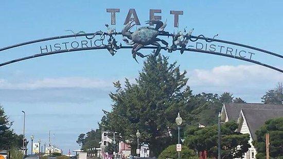 Taft Historic Shopping District.jpg
