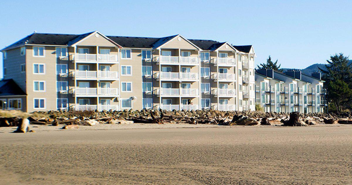 Siletz Bay Lodge.jpg