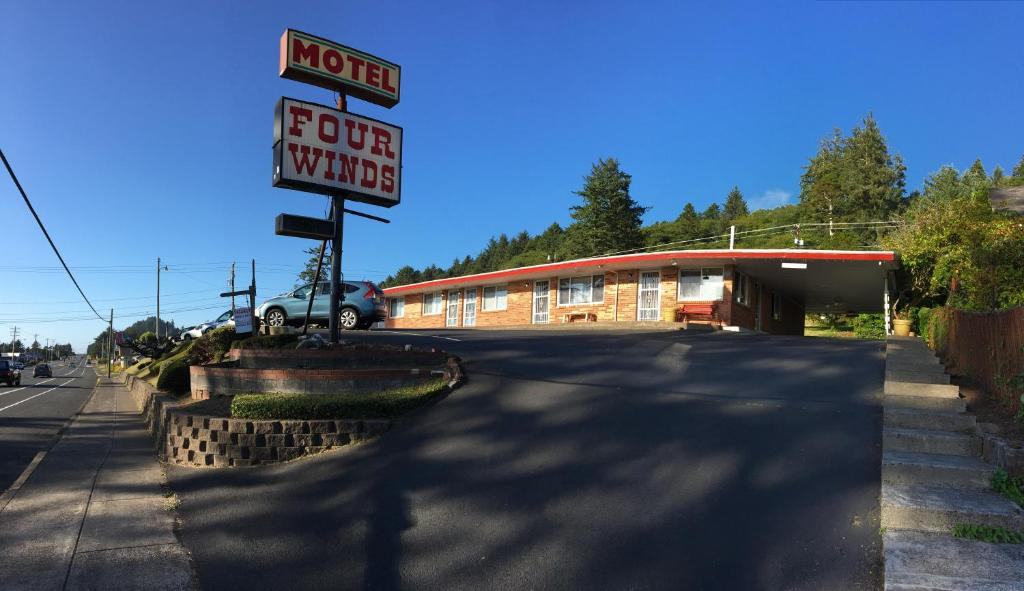 Four Winds Motel.jpg