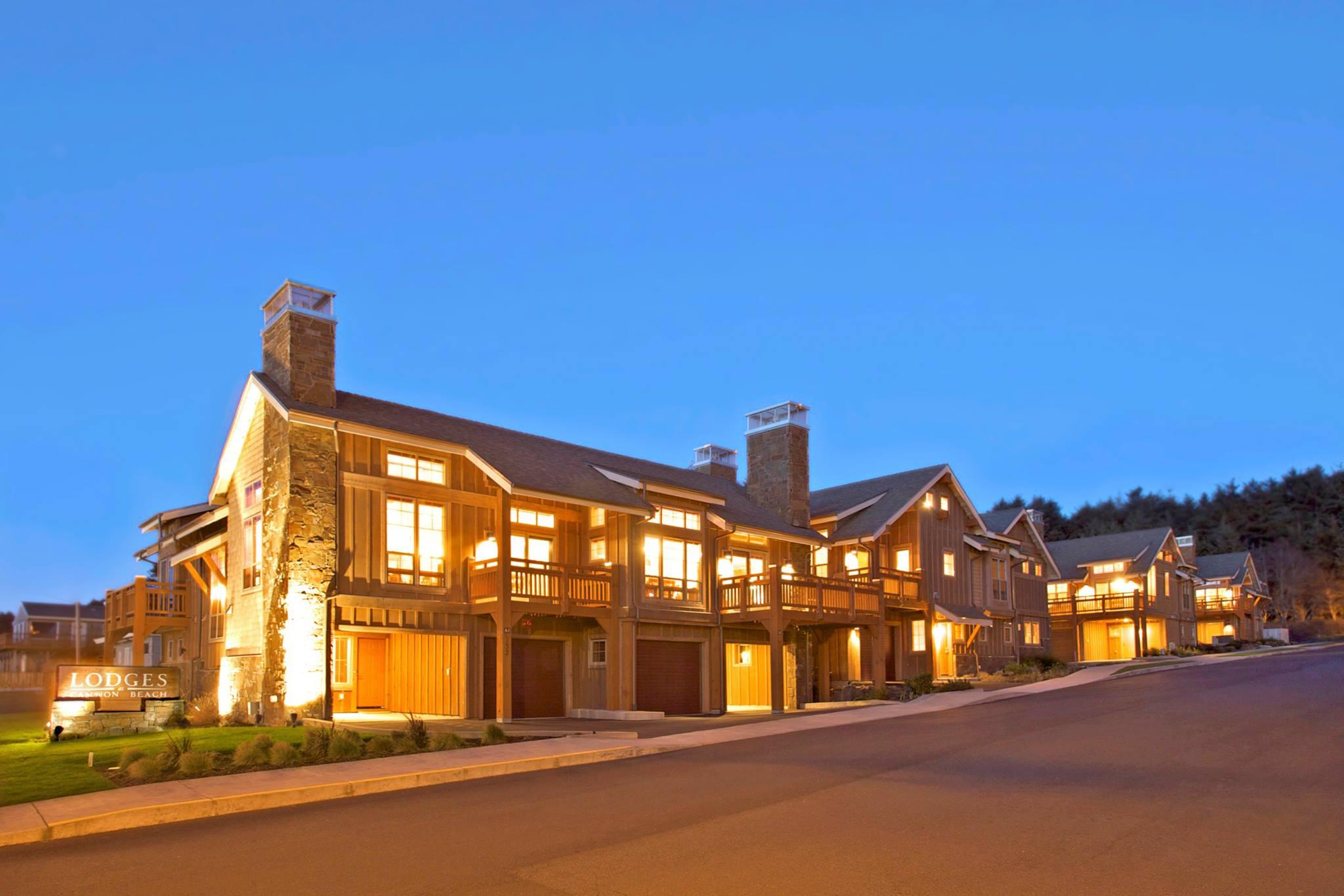 Lodges at Cannon Beach.jpg