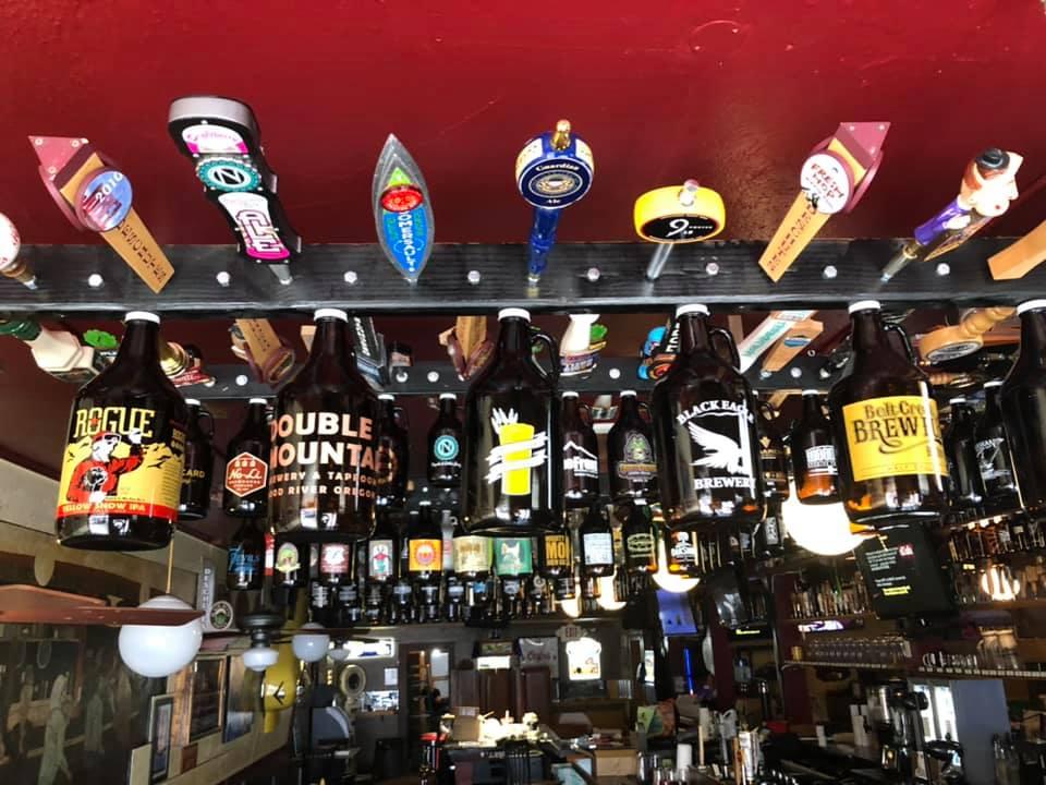 Beachcomber Pub.jpg