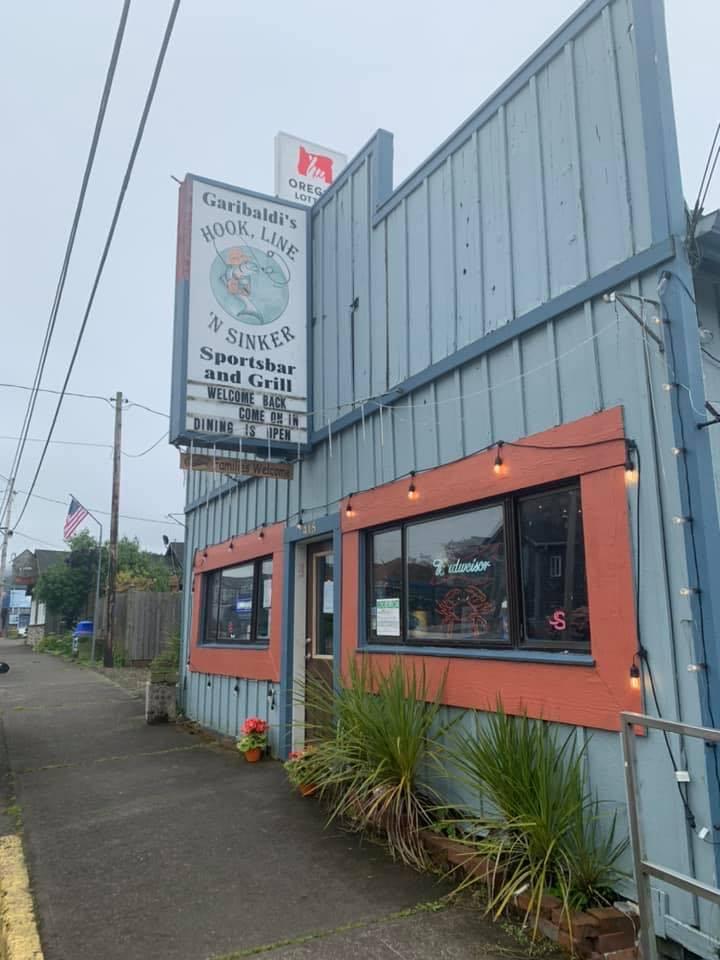 Garibaldi's Hook, Line 'n Sinker, Sports Bar and Grill.jpg