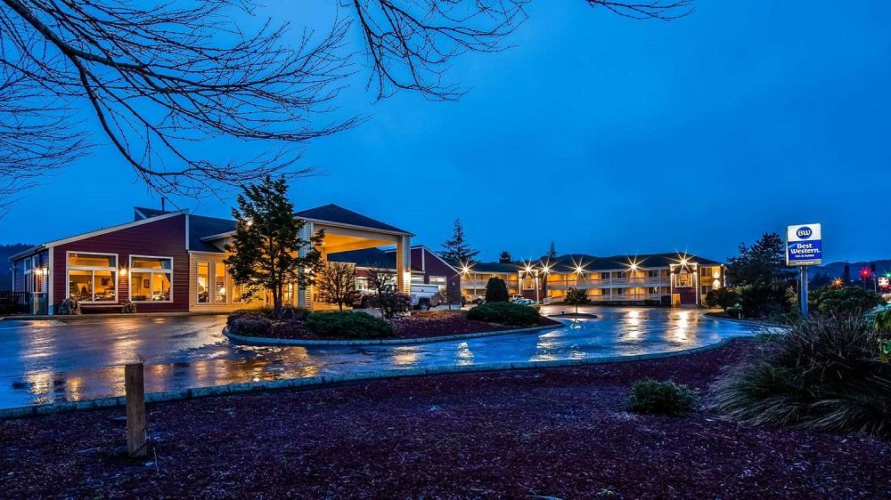 Best Western Salbasgeon Inn & Suites.jpg