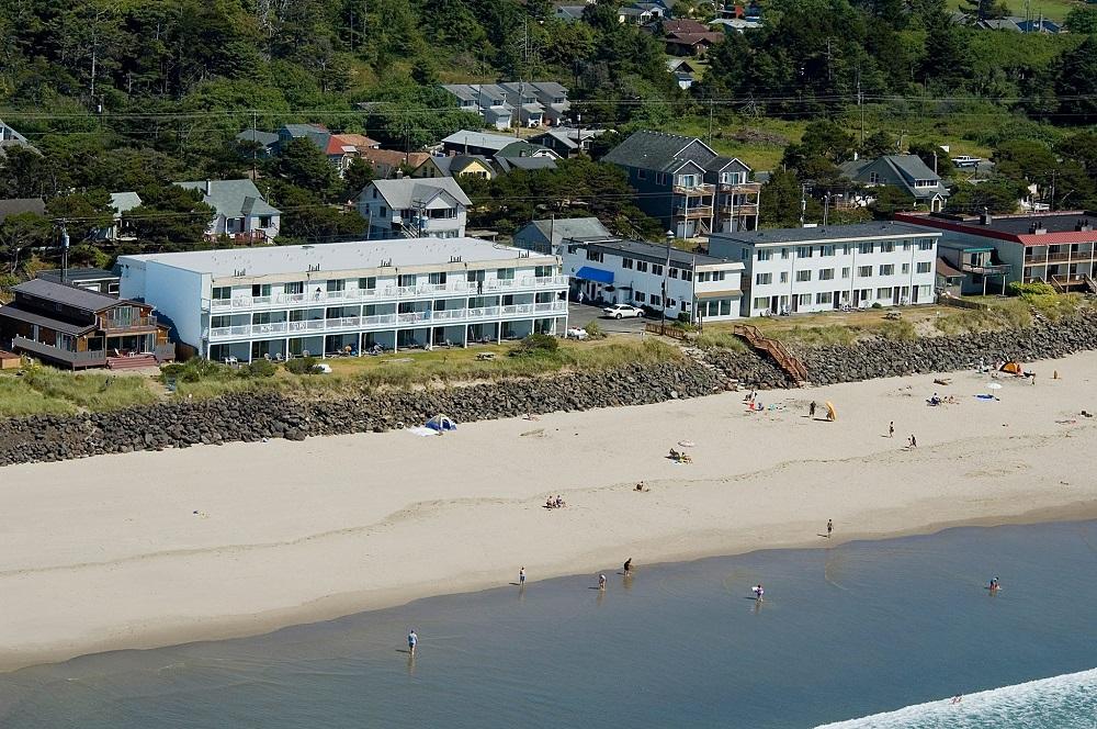 Rockaway Beach Resort.jpg