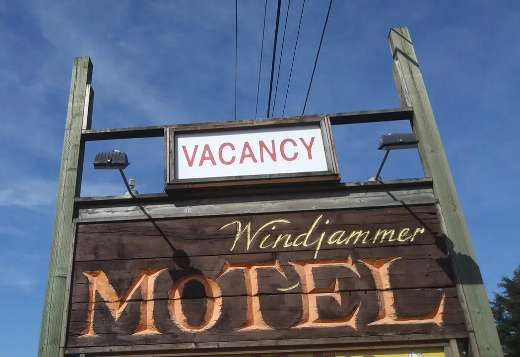 Windjammer Inn.jpg