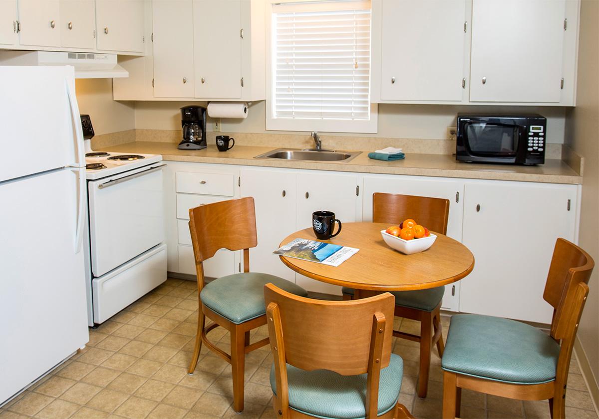 Looking-Glass-Inn-1B-kitchen.jpg