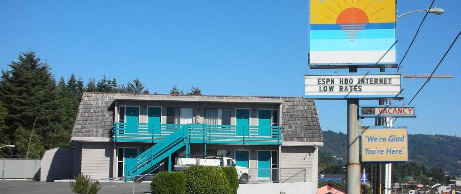 Pacific Sunset Inn.jpg
