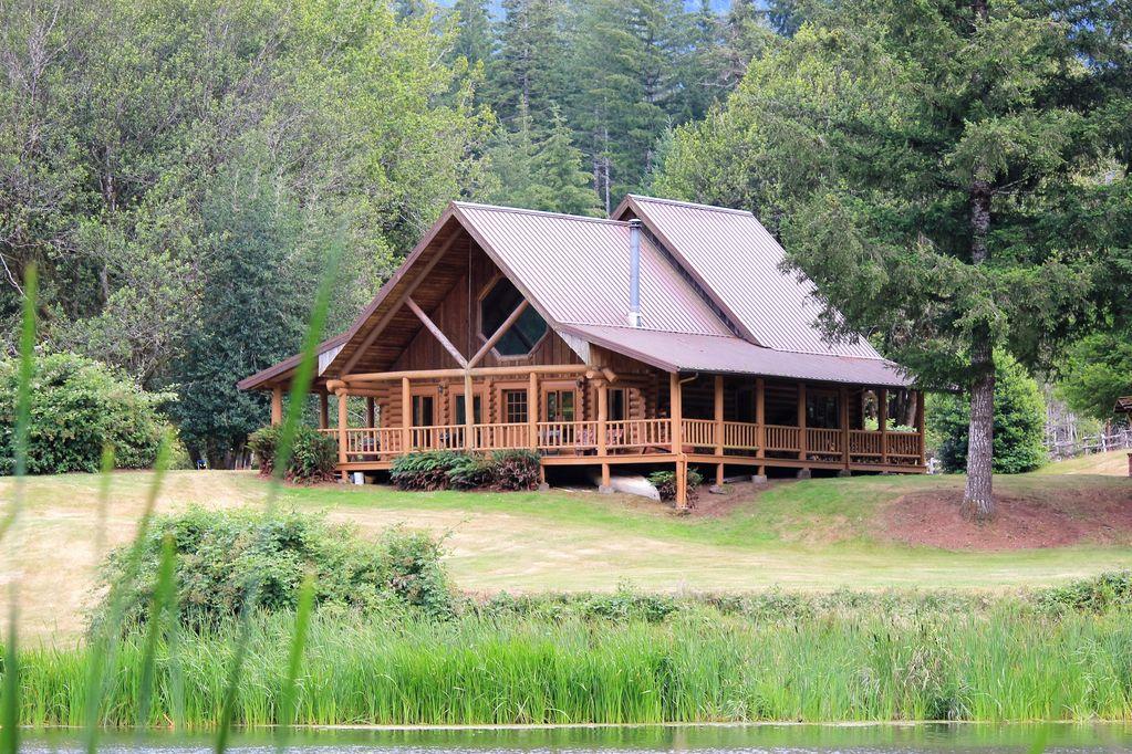 Boone's Lake Cabin.jpg
