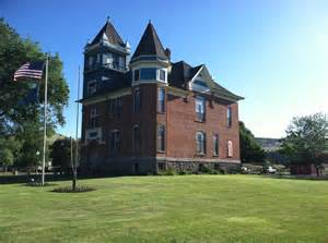 Wheeler County Courthouse in Fossil, Oregon