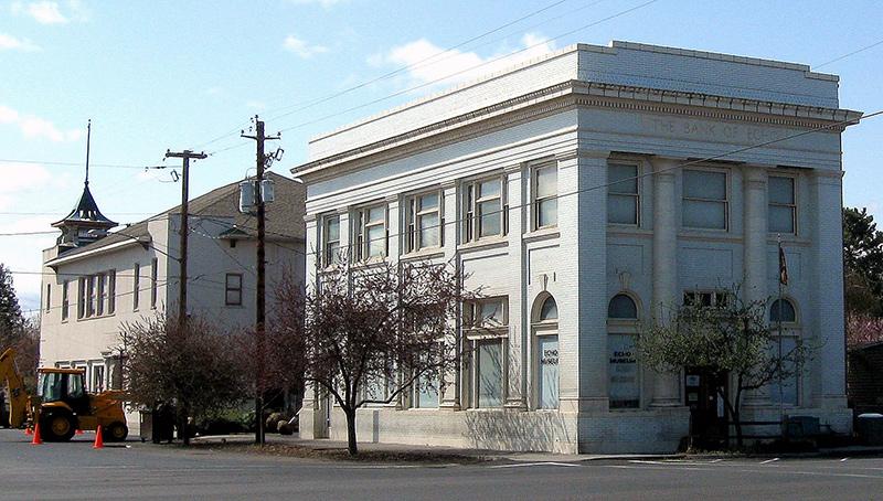 Bank Building, Echo