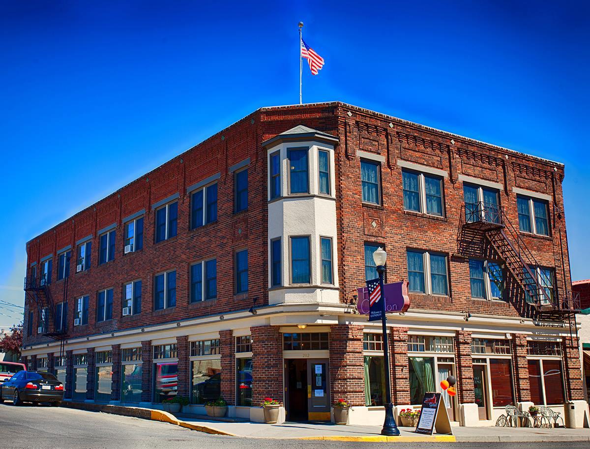 Historic Hotel Condon