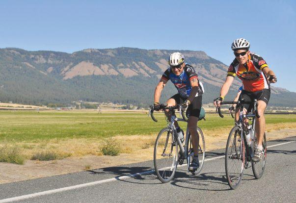 Cyclists enjoying the Grande Tour Bike Ride