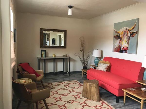 Alley Cat Flat Vacation Rental